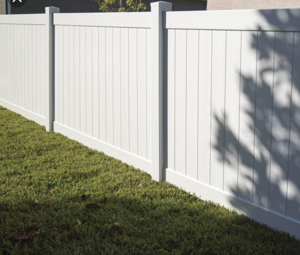 Licensed Fence Contractors in Ballast Point, FL.