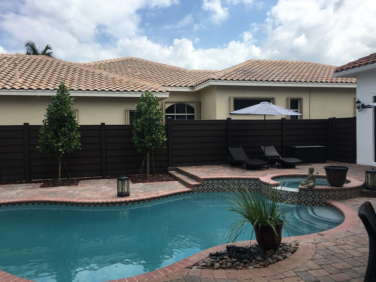 Tampa affordable fencing contractor