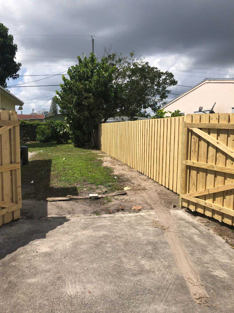 best wood fence installation in tampa florida
